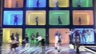 """Xuxa canta """"Bambolê"""" no TV Xuxa - 2007"""