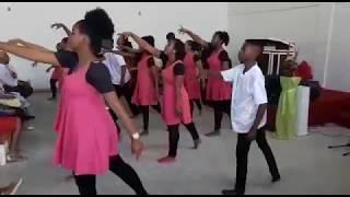 Ministério de Dança Rompendo em Fe. Coreografia  Uma Novidade de (Sarah Farias)