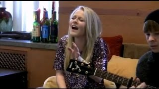 Miley Cyrus - Wrecking Ball: Live Cover by Hollie Cavanagh