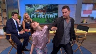 Channing Tatum's 45-Second Handshake With Young Co-Star | Good Morning America | ABC News