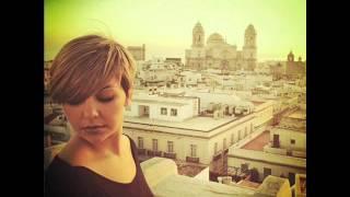 Susanna del Rio con Melendi y Neus Ferri-Con solo una sonrisa