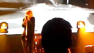 Portishead - Over - Live @ Hammerstein Ballroom, NYC (Oct4, 2011).MP4