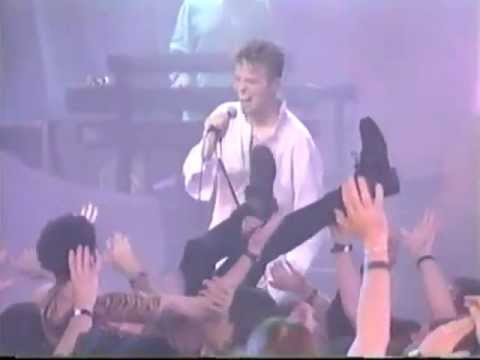 david-bowie-all-the-young-dudes-live-ny-1997-innersoundvision