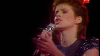 "lovely lady  SHEENA EASTON  performing ""so much in love"" live"
