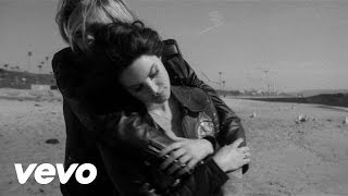 The Neighbourhood - The Beach (feat. Lana Del Rey)