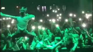 XXXTENTACION  performs SAD live floor555, take a step back