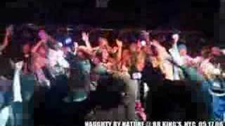NAUGHTY BY NATURE - HIP HOP HOORAY (PT2) *LIVE* (10sec CLIP)
