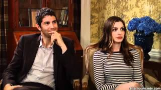 """Anne Hathaway & Jim Sturgess answer """"Yes-no"""" to mtv.mp4"""