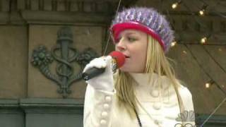 Brie Larson - Hope Has Wings (Macy*s Parade)