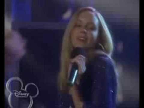 2 Estrellas En Espanol de Camp Rock Letra y Video