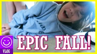 JONAH'S EPIC FALL!  CAUGHT ON CAMERA!  |  KITTIESMAMA
