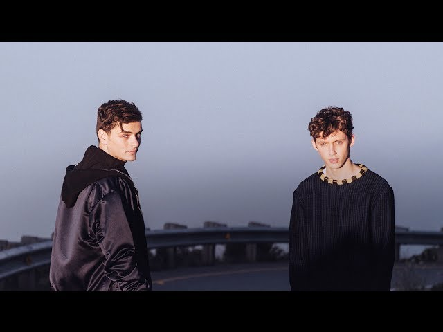 Videoclip oficial de 'There For You', de Martin Garrix y Troye Sivan.