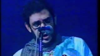 "RENATO RUSSO Performático canta ""Gente Humilde"" no premio Sharp de Música,em 1992"