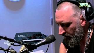 Fink - Looking Too Closely, Live bij 3voor12 Radio