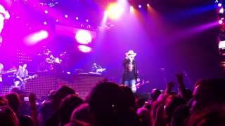 Guns N Roses, Knockin on Heaven's Door, O2 London 2012