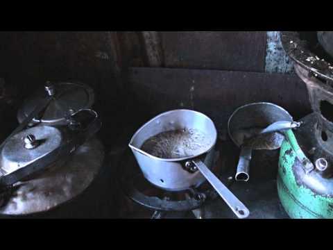 nepal-Deboche kitchen-20100419-Rogers make pepper tea