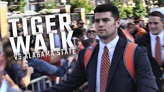 Watch Auburn arrive at Jordan-Hare Stadium for the first Tiger Walk of the season
