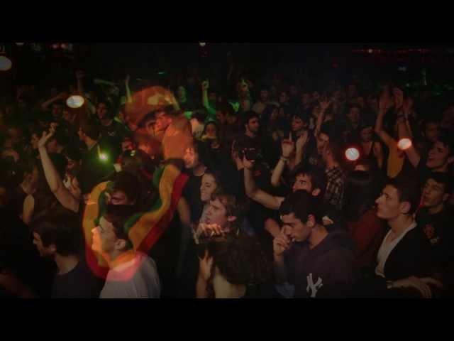 Videoclip de la canción Al Meu Món de Pirat's Sound Sistema