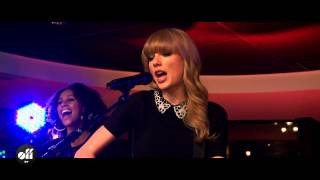 "OFF LIVE - Taylor Swift ""You Belong With Me"" Live On The Seine, Paris"