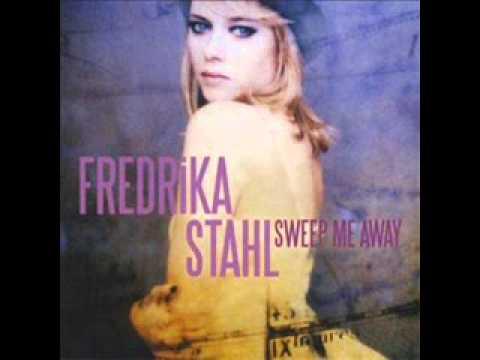 fredrika-stahl-so-high-francisca-melo