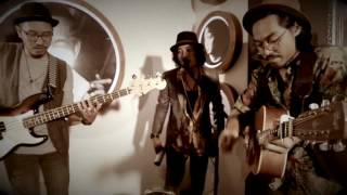 COUNTRY ROAD - John Denver ( cover by KAWANLAMA )