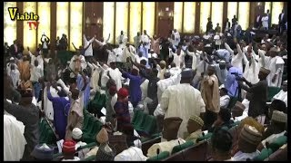 Just In :How Lawmakers Boo Buhari As President Presents 2019 Budget Proposal