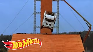 Team Hot Wheels - Yellow Driver's Near-Crash During Testing | Hot Wheels