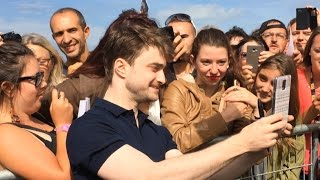 Daniel Radcliffe inaugure sa cabine sur les Planches