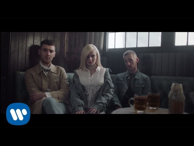 Videoclip oficial de 'Rockabye', de Clean Bandit ft. Sean Paul y Anne-Marie.