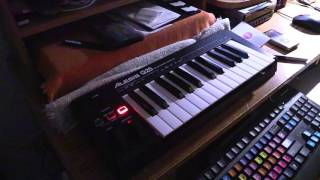 """how to play the """"Nuthin' but a 'G' Thang"""" melody on Minimoog"""