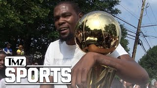 Kevin Durant on Trump: 'We Don't F*ck With Him' | TMZ Sports