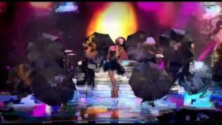 Rihanna Live - Umbrella