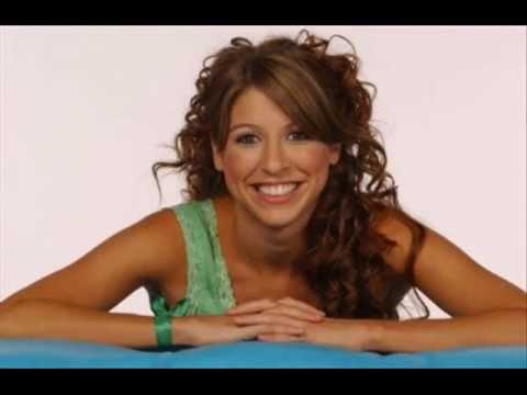 A Bailar de Florencia Bertotti Letra y Video