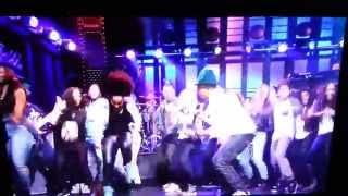 Pharrell Williams Happy on SNL HD