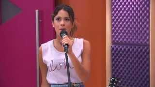 Виолетта поёт на английском песню IN MY OWN WORLD