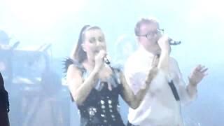 TE BESE  (en vivo) - Leonel García y María José