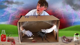RAAD WAT ER IN DE DOOS ZIT! *HET LEEFT* (What's in the Box CHALLENGE Creepy Horror Slime)