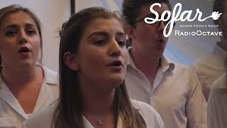 RadioOctave - Black Horse and a Cherry Tree (KT Tunstall cover) | Sofar Nottingham