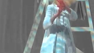 Sia - Chandelier (Seth Meyers Mic Feed)