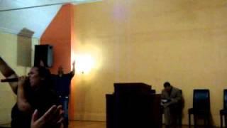 Emily Pena-Medley de Himnos