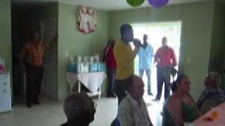 Ephrem J zingt live op Dia di hene grandi (dag voor de ouderen)