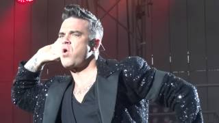 ROBBIE WILLIAMS coming on stage / Intro - Hannover 27/07/2013