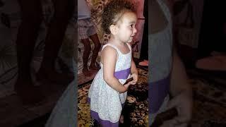 Sophia dançando funk 😂😂