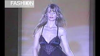 GIANNI VERSACE Fall 1993 Milan - Fashion Channel
