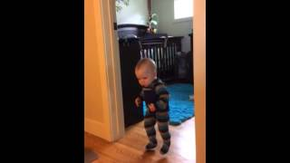 Adorable baby falls asleep to sound of hairdryer