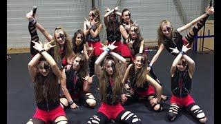Adol-Rocker lányok
