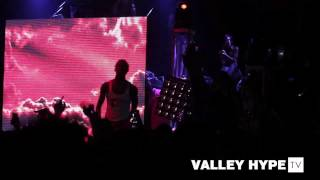 """TRAVIS SCOTT & YOUNG THUG PERFORMS """"SKYFALL"""" LIVE AT THE PRESSROOM"""