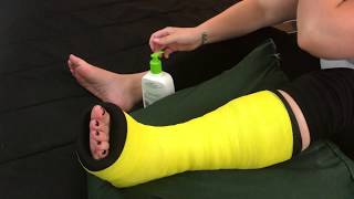 Bootzy yellow leg cast rubbing toes