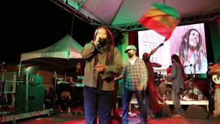 Stephen & Damian Marley - Jah Army (Live at Bob Marley Birthday Bash)