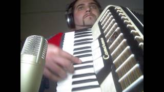 XUTOS E PONTAPES - MARIA  COVER (keys and accordian)
